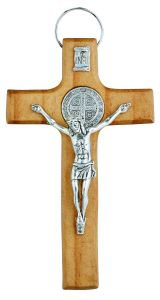 Crucifijo con medalla de San Benito