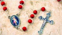 Rosario con olor a rosas con la imagen de la Divina Misericordia