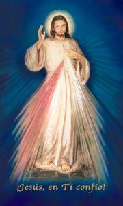 Hermosa estampa de la Divina Misericordia con fondo azul, la cual contiene la Coronilla en la parte de atrás.