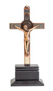 Crucifijo de San Benito con base